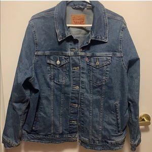 Levi's trucker style jean jacket 2x